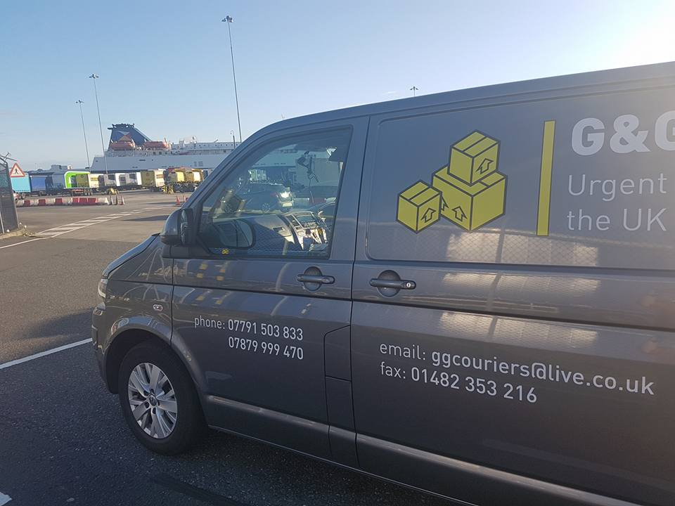 Courier Service For Businesses in Hull